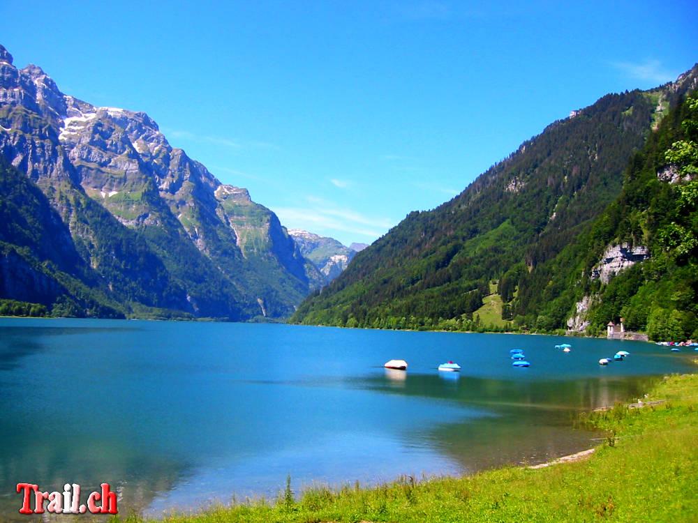 Klöntalersee ob Glarus am Fusse des Glärnisch auf halbem Weg Richtung Pragelpass - Muotathal (Klöntal)